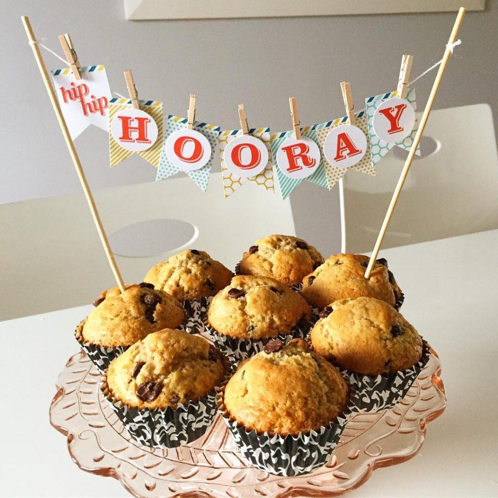 Amazing Chocolate Chip Cupcakes to celebrate a University Grad! Ihellip