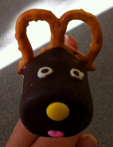 Marshmallow Reindeer Pop