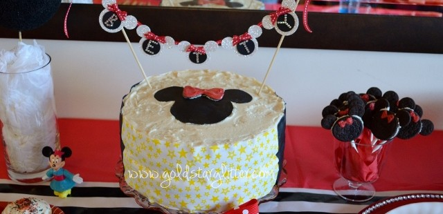 Minnie Mouse Cake & Topper