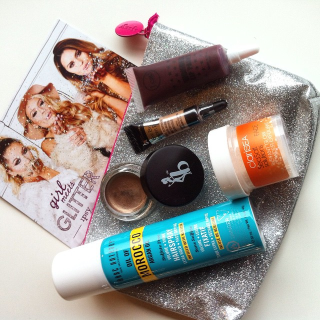 December Ipsy Glam Bag. My favs are the gorgeous glittery bag and eyeshadow base by Be a Bombshell ? #ipsy #glambag #ipsybag #makeup @marcanthonyhaircare
