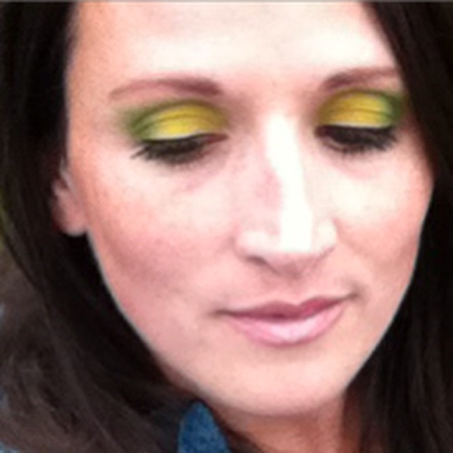 Lime green eye makeup using my Electric Pallet by Urban Decay from Sephora ? black eyeliner & Dior mascara #urbandecay #electricpallet #sephora #makeup